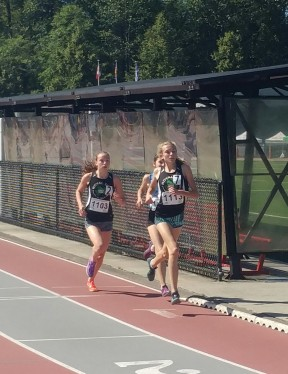 Isabella Brunoro (left) and Katie Stewart-Barnett (right) compete at Jamboree